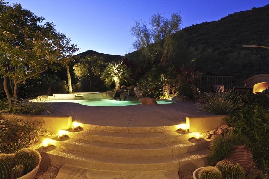 Twilight landscape lighting bing images for Twilight low voltage outdoor lighting