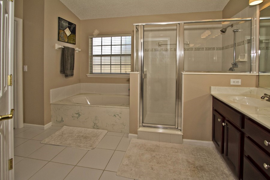 Bathroom floor plans with tub and shower 2017 2018 for Walk in shower plans and specs
