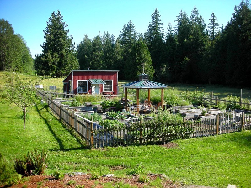 Country Vegetable Gardens