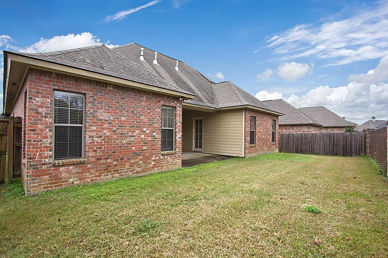 Beautiful French Style Home - 17611 Greens Ct, Baton Rouge ...