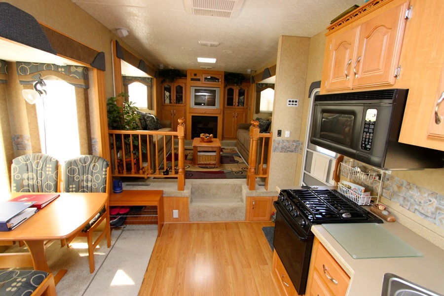 5th Wheel Rv With Front Living Room Motorcycle Review And Galleries