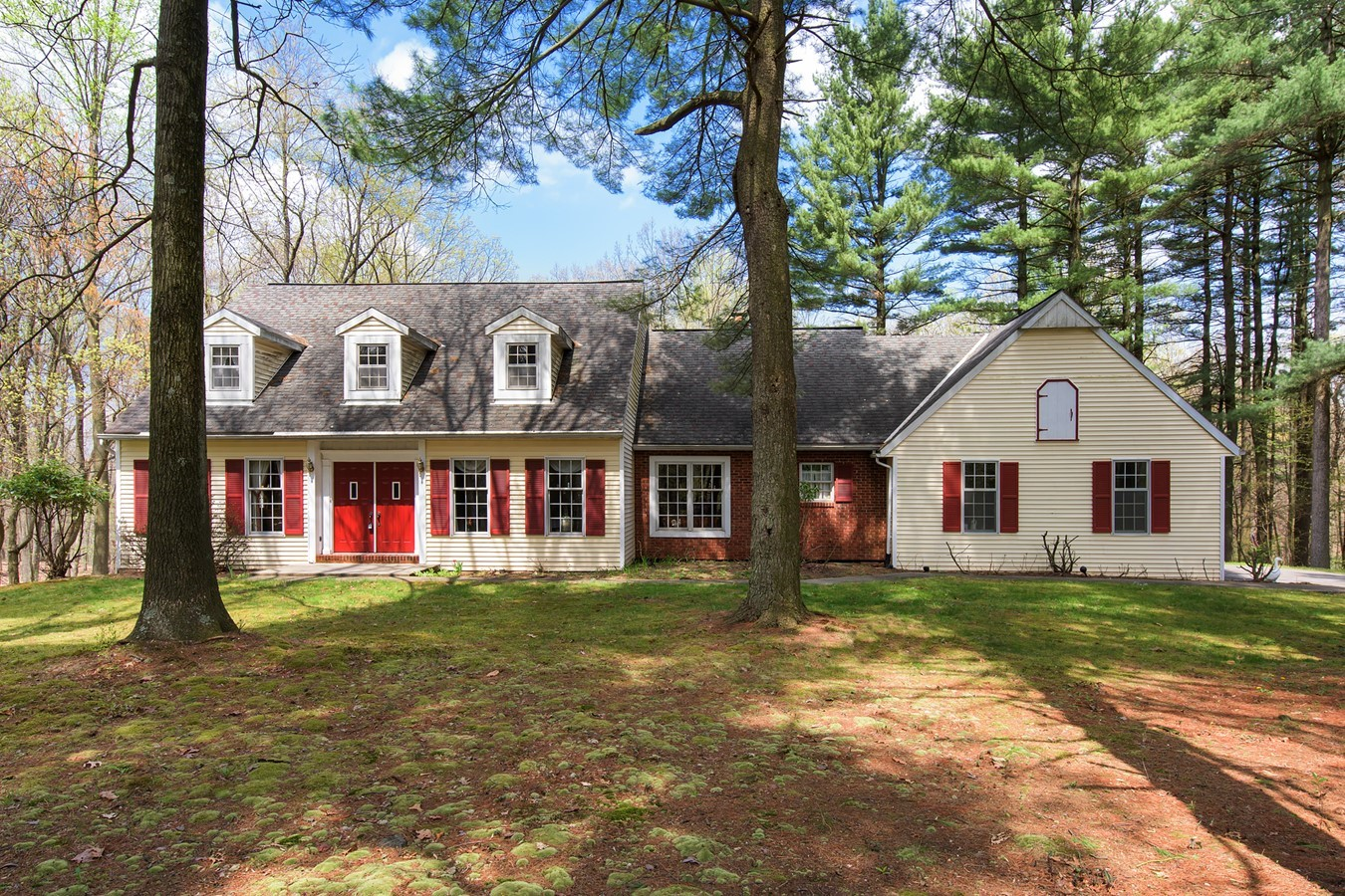 Charming 4 Bedroom 35 Bath Cape Situated On 303 Wooded Acres
